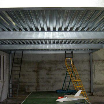 Abris toit métallique plancher