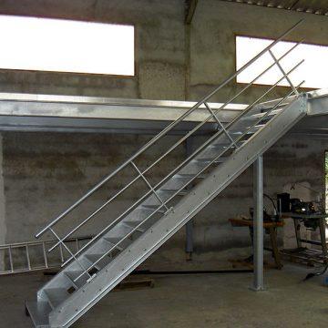Escalier métallique galvanisé