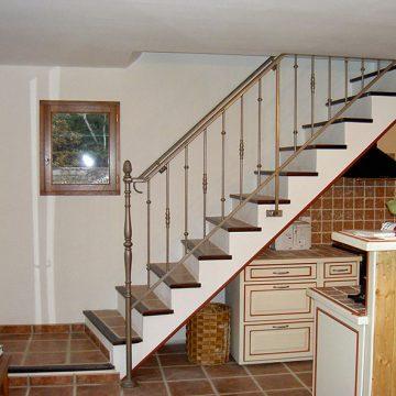 Garde corps rampant escalier pilastre