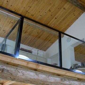Garde corps mezzanine vitre et métal rénovation
