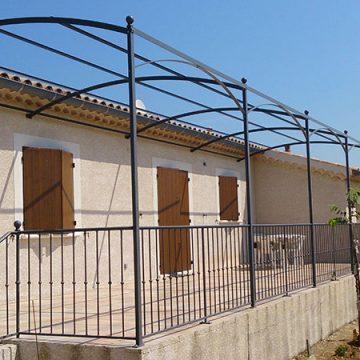 Pergolas cintrée avec garde corps terrasse