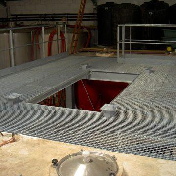 Plancher métallique cave viticole