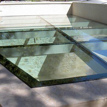 Plancher toiture métallique vitré pour piscine