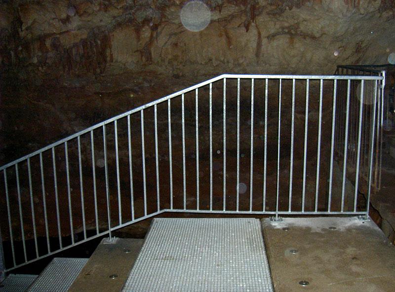 Plancher avec rampe métallique