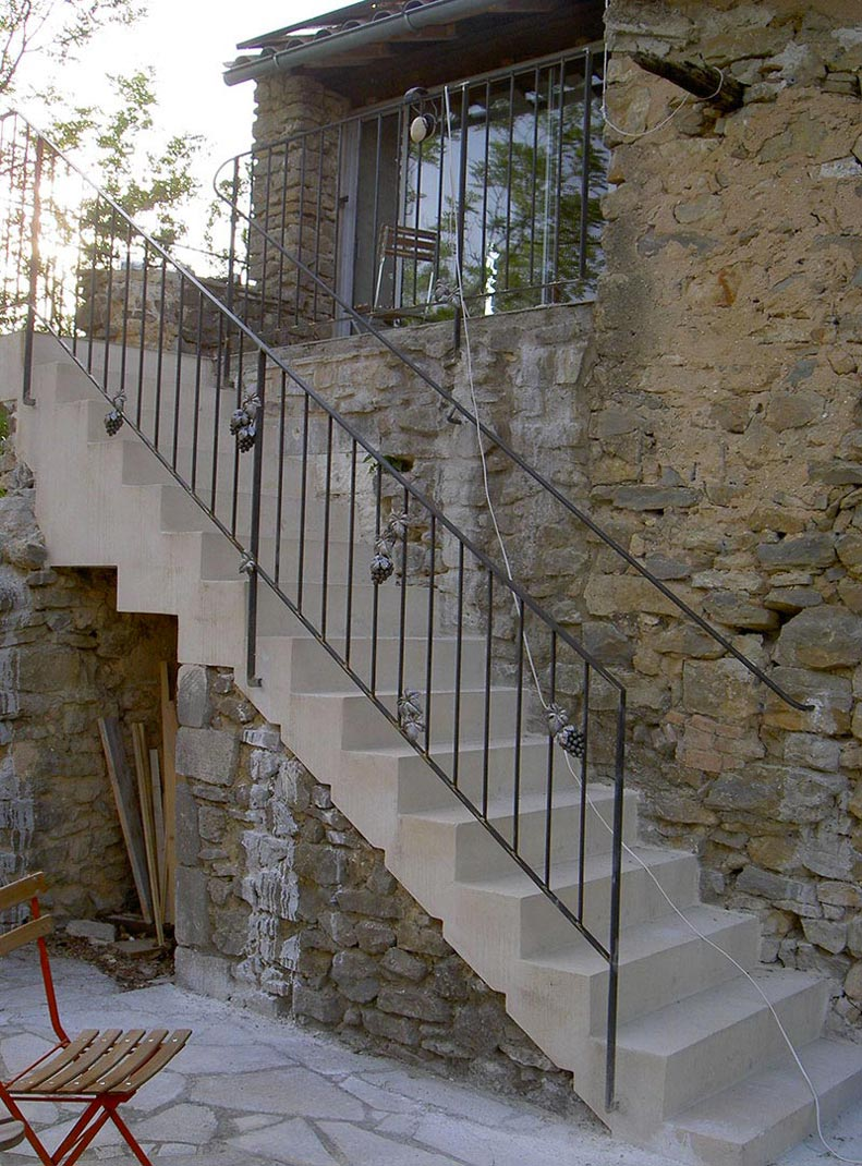Rampe escalier et main courante gourdargues marconnet for Main courante escalier originale