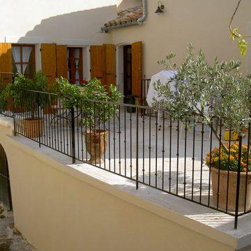 Rampe grille de terrasse provençale