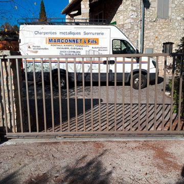 Portail coulissant thermolaqué automatisé Gard