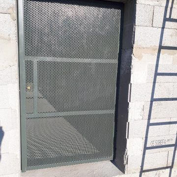 Porte tole perforée sécurité