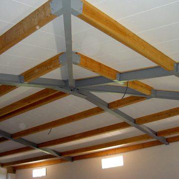 Charpente métallique toiture trois pentes