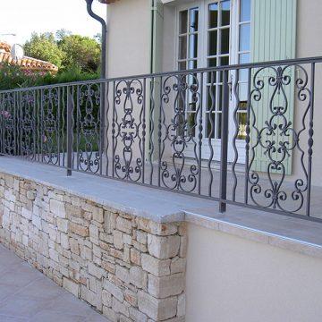 Garde corps artisanal fer forgé pour terrasse