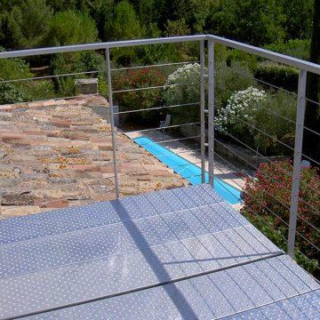Garde corps terrasse suspendue et balcon plancher métallique