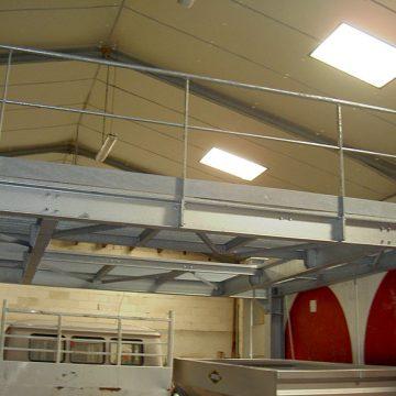 Plancher métallique cuves viticoles