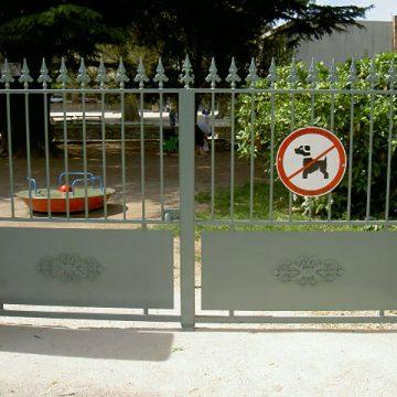 Portail 2 vantaux jardin d'enfant