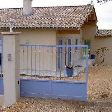 Portail coulissant maison résidence Pont Saint esprit
