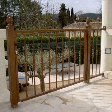 Portillon terrasse barreaux droits