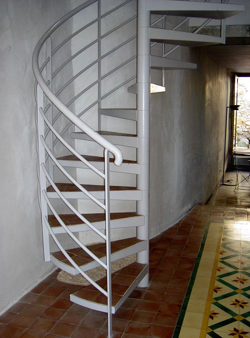 Carrelage Sur Marche D Escalier escalier colimaçon en fer avec marche en carrelage - marconnet